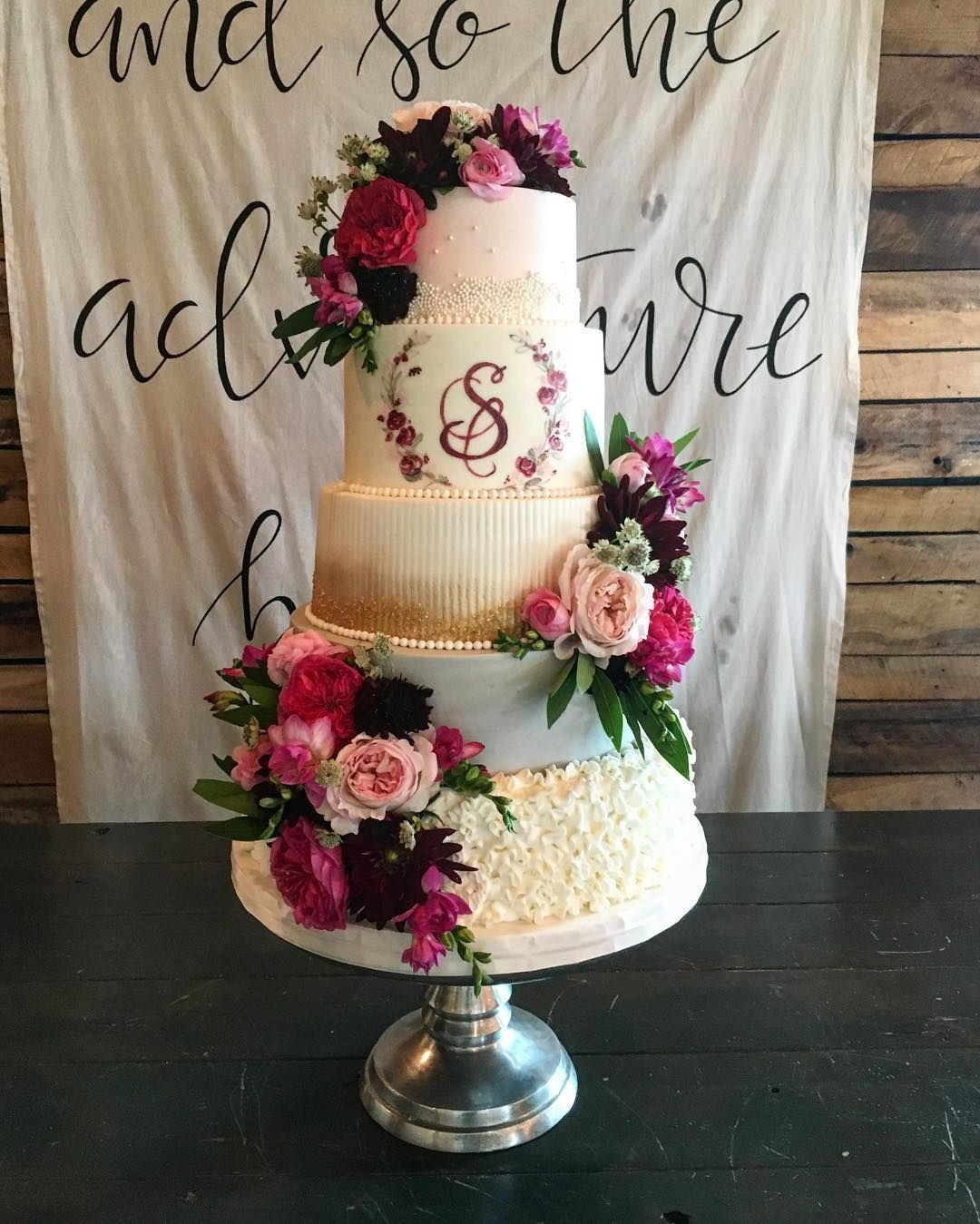 Beautiful wedding cake with roses decoration wedding