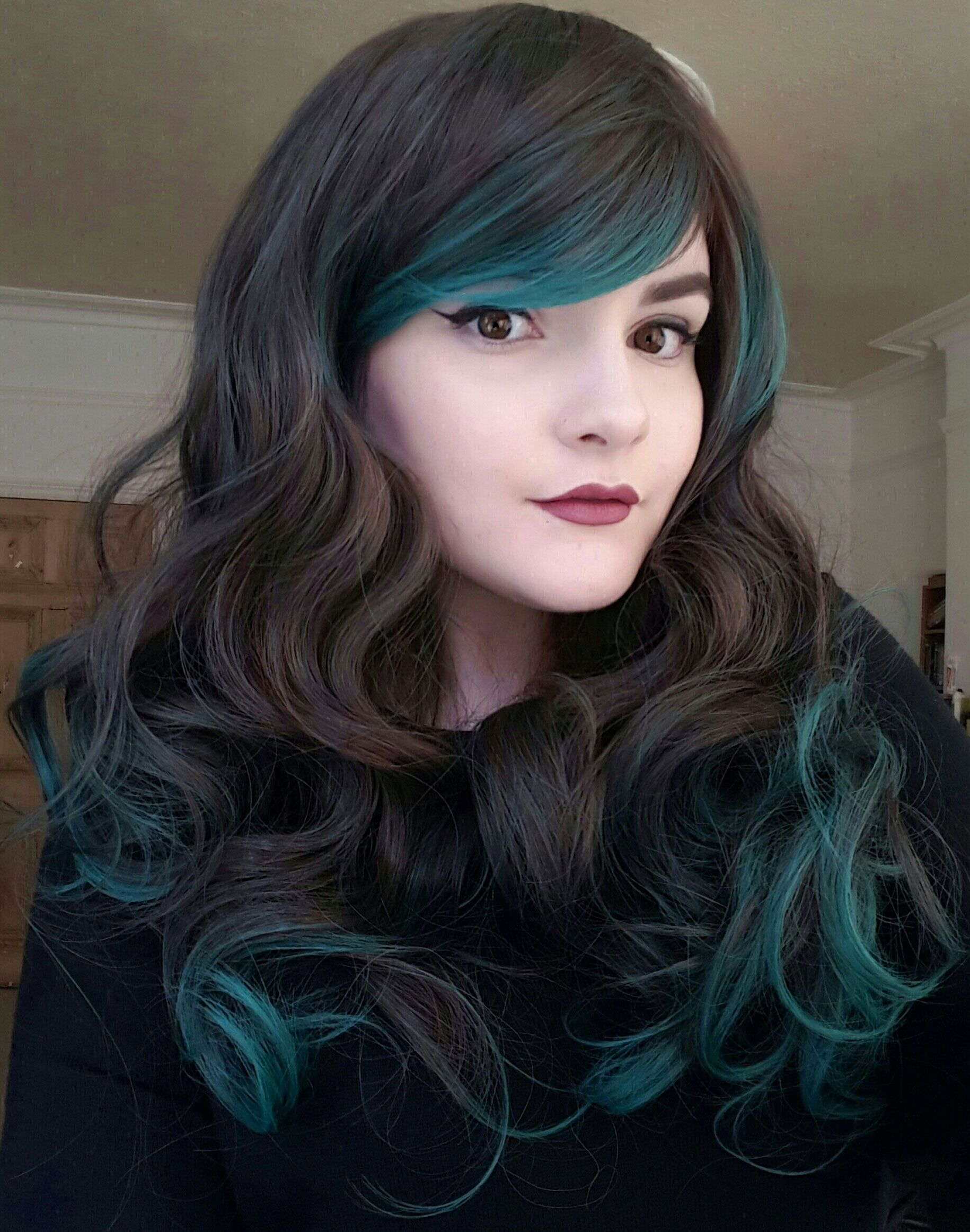 Wasteland queen wig green highlights and bouncy curls