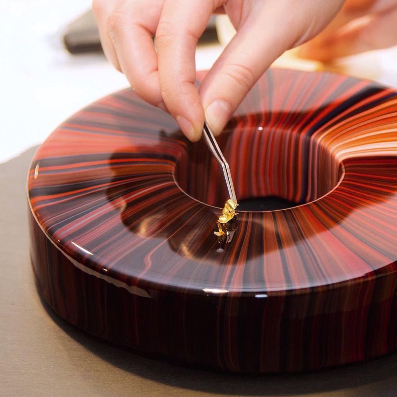 Mirror Glaze Cakes by Ksenia Penkina are Mesmerizing #cakedecoratingvideos
