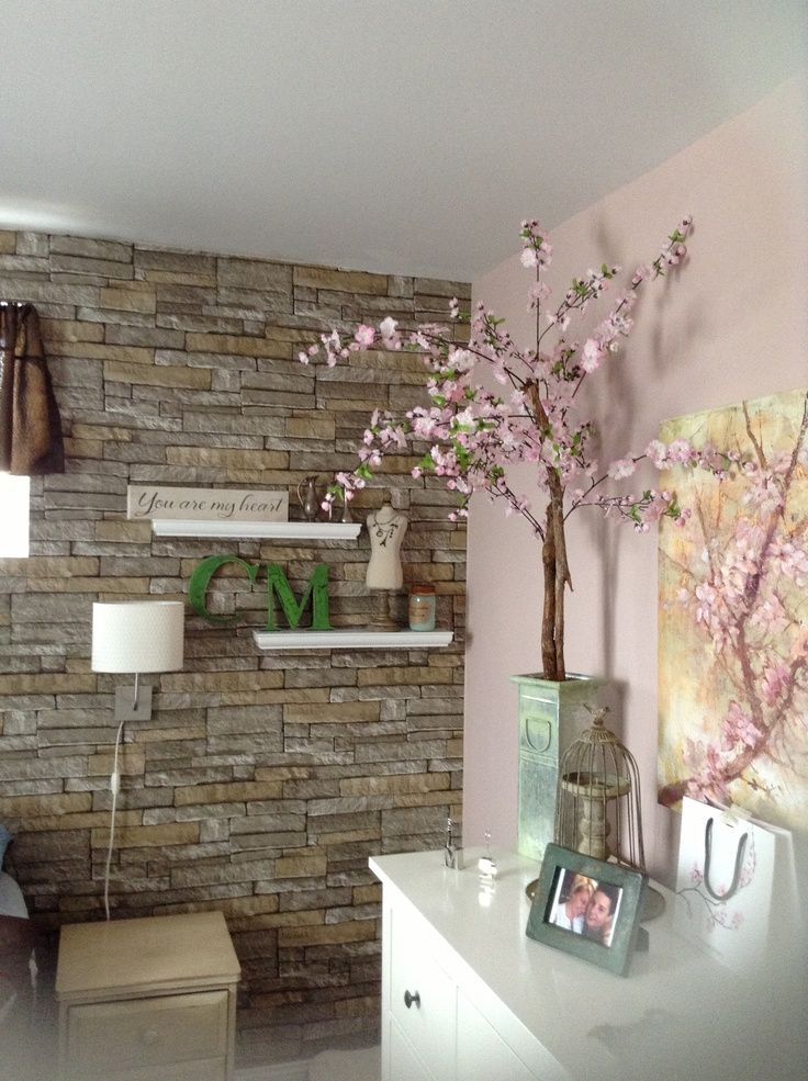 ledgestone wallpaper used in the living room - Wallpaper Lounge Ideas