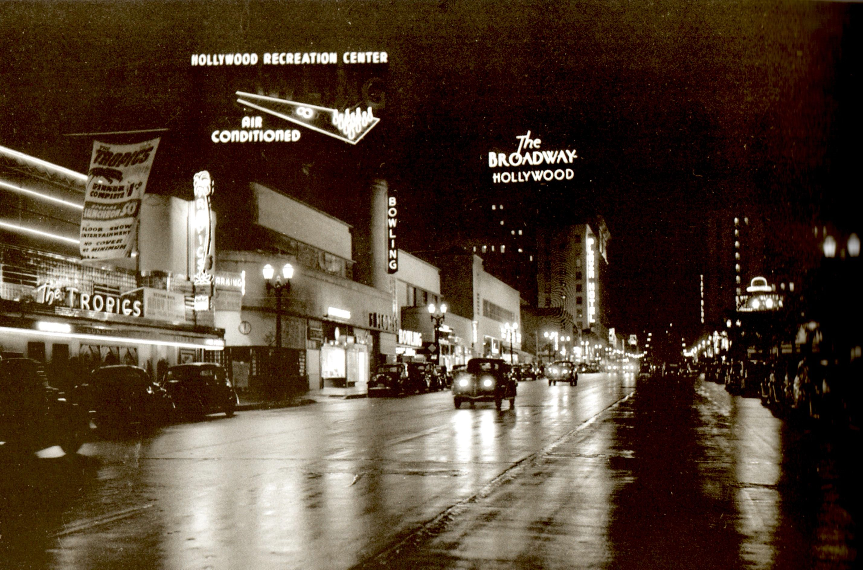 Vine Street Looking 1939 We Can See The Tropics Bar The Hollywood Recreation Center Bowling Alley Th Hollywood Restaurants Brown Derby Restaurant Hollywood