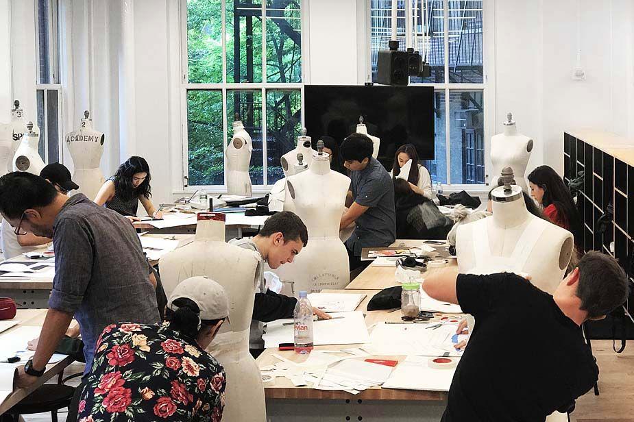 Fashion Design Studio Rice Lipka Architects Parsons Making Center The New School Nyc 2016 Fashion Designer Studio Design Studio School Interior