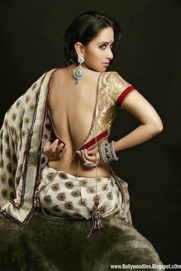 fd46c2ef6149ad Famous Backless Saree Blouses Images in Bollywood Actresses | Women ...