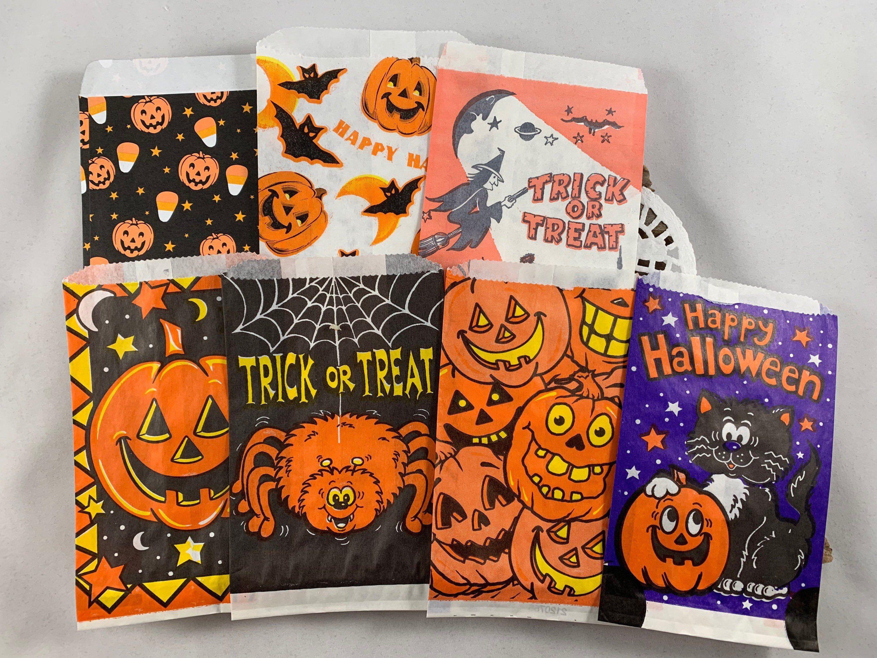 7 Halloween Treat Bags Paper Ephemera Set Vintage Halloween Etsy In 2020 Halloween Treat Bags Vintage Halloween Halloween Treats