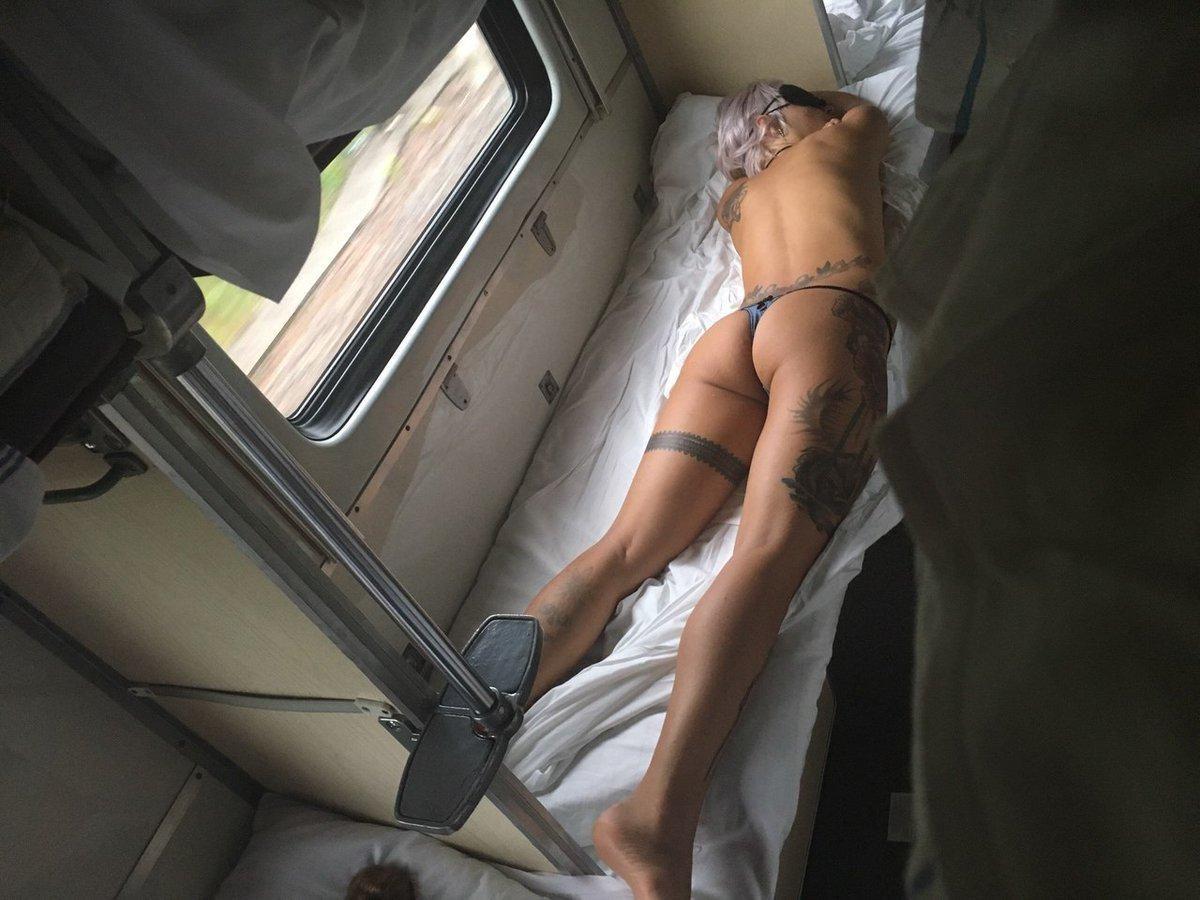 сладострастное состояние женщины подсмотренное в поезде - 2