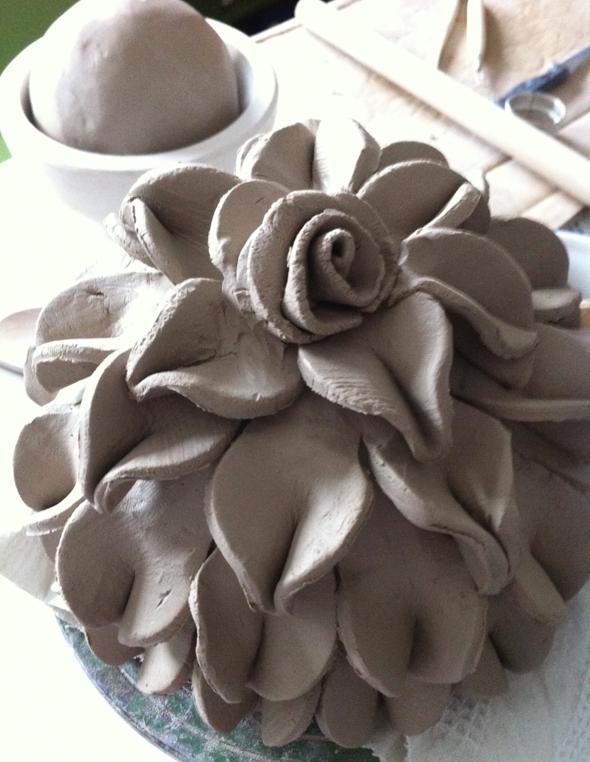 wunderbare kugeln t pfern keramik blumen kugel pottery pinterest. Black Bedroom Furniture Sets. Home Design Ideas