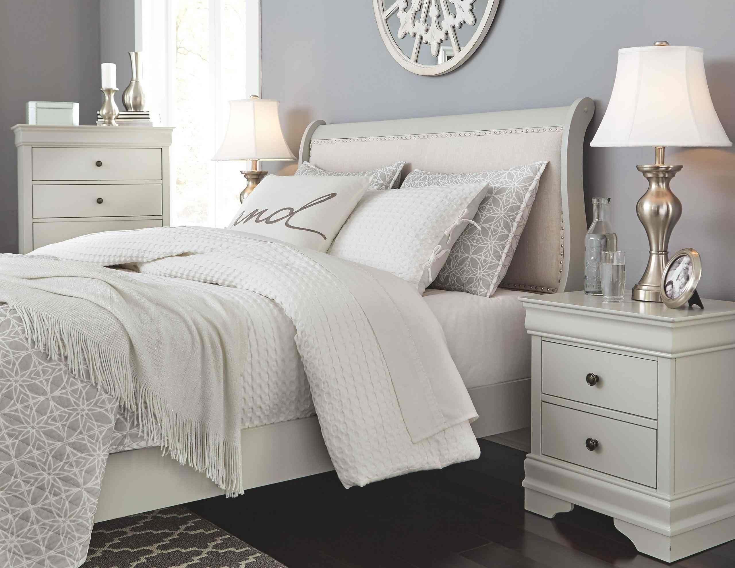 White Bedroom Furniture for Adults di 2020 (Dengan gambar)