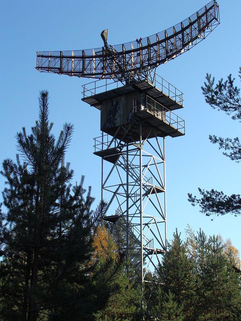 Antenna radar L-band TAR Finland - Parabolic antenna