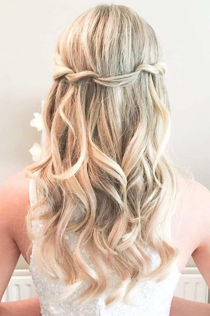 Pretty half up half down hairstyle,twisted wedding hairstyle perfect for bride and bridesmaids