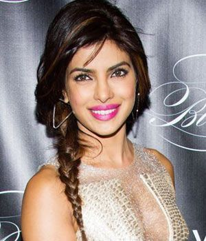 #PriyankaChopra can pull off any look! Short curls, long hair, fringes, bangs, you name it and she has done it. In this side braid she looks beautiful!
