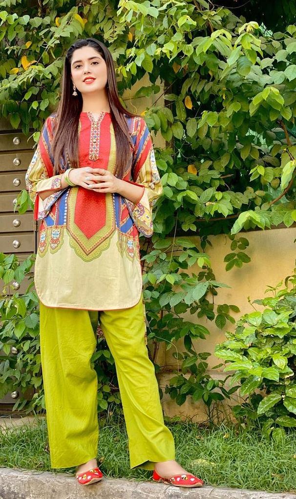 Pakistani Famous Tiktok Star Knwal Aftab Dressing Style And Dress Design Tiktoker Dre Fancy Dress Design Pakistani Fashion Party Wear Pakistani Women Dresses