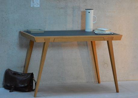 Bureau design avec tiroir integre special petits espaces en chene et
