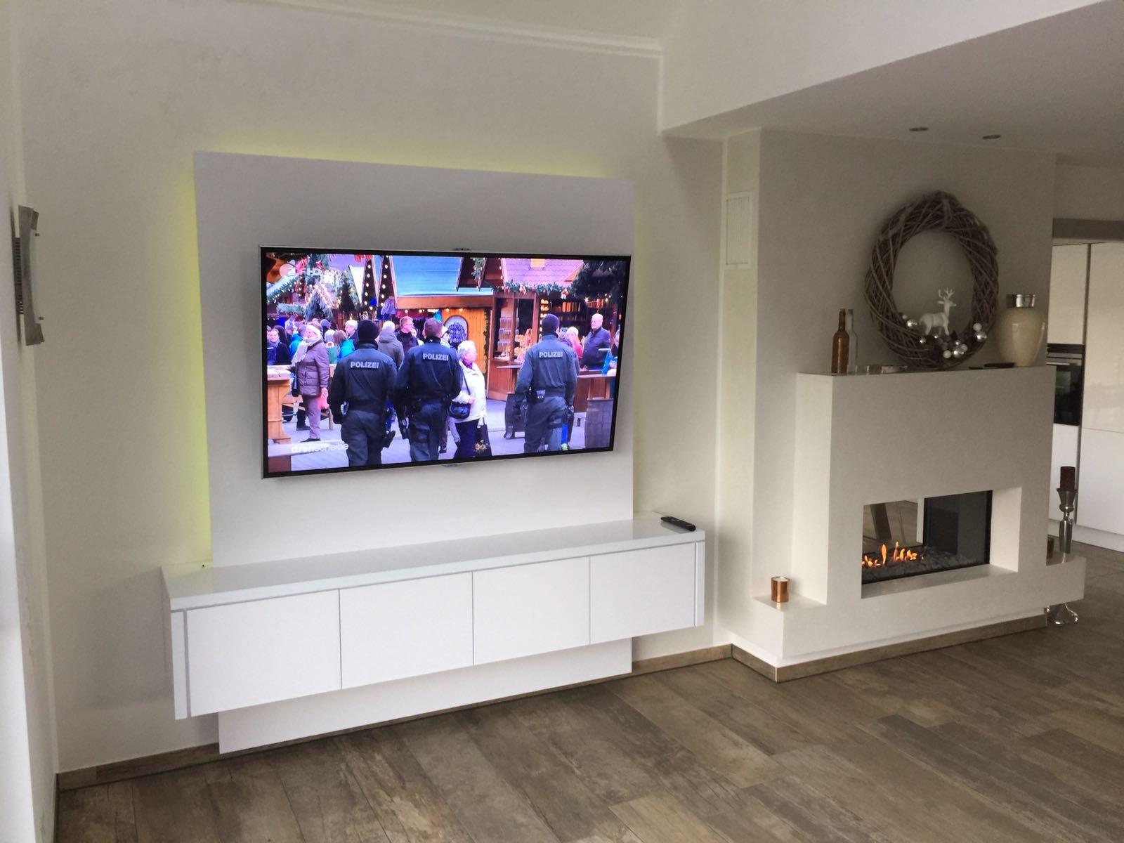 Tv Wand schneeweiße tv wand für elegantes musterhaus wand