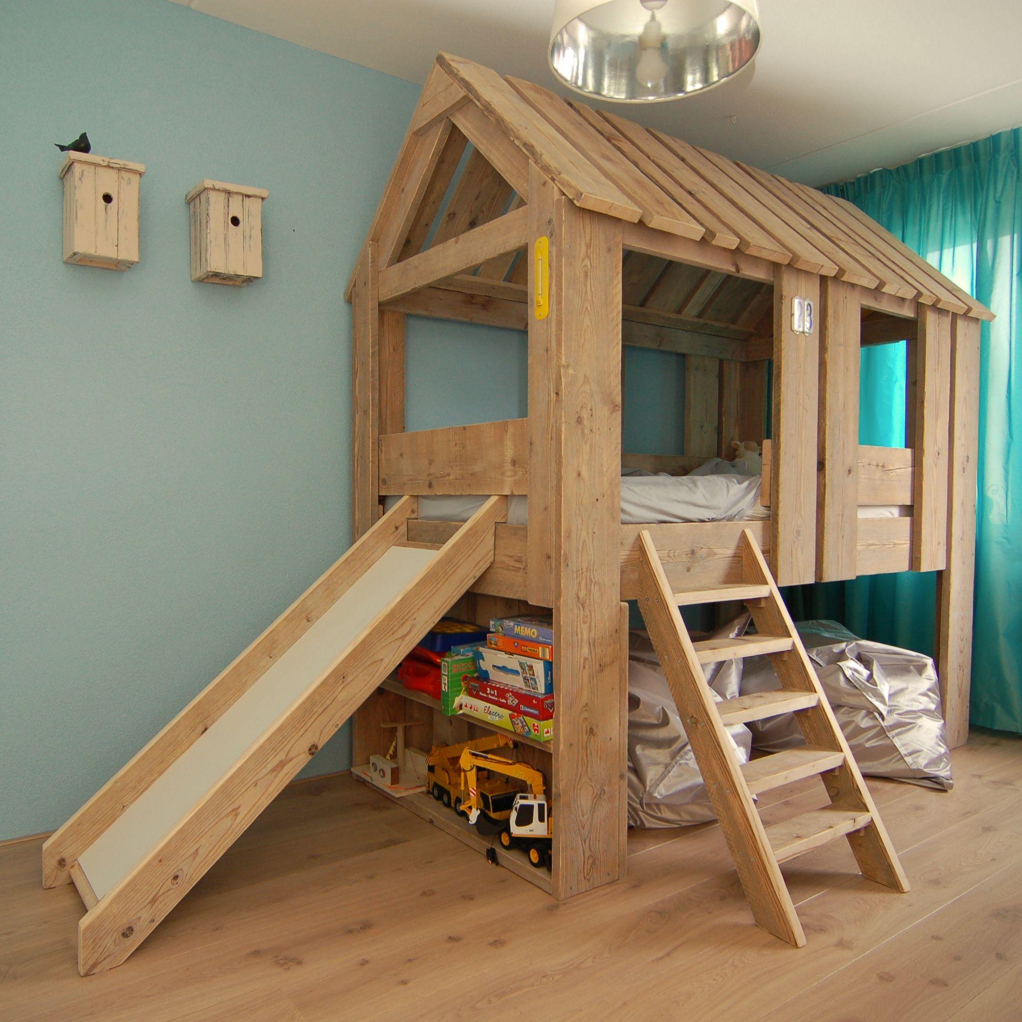 Steigerhout Boomhut Bed Met Boekenplanken En Glijbaan Van