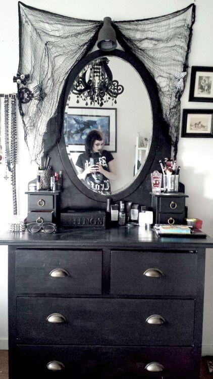 ⛤ǝɯ ɥʇᴉʍ ʞlɐʍ ǝɹᴉɟ ⚸ | APARTMENT |BEDROOM| | Pinterest | Gothik ...