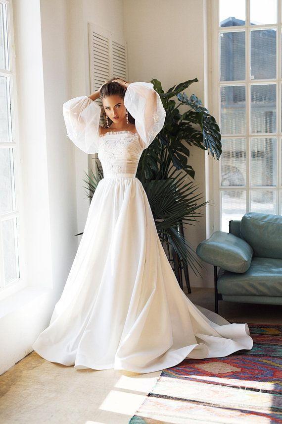 Brautkleid 'Brigitte' aus der neuen AURA Linie von AlexVeil Bridal, mit