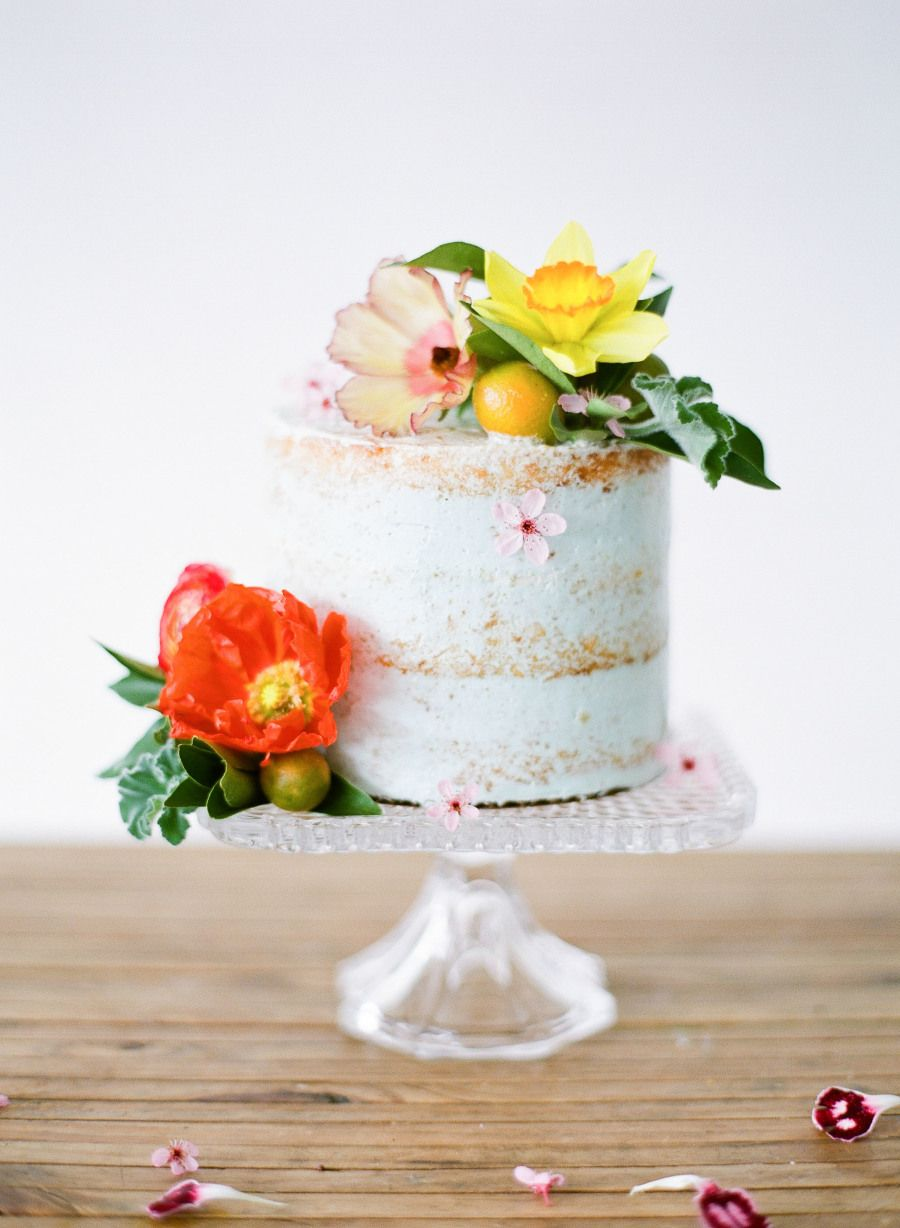 The prettiest and easiest summer cake recipe: Read More on SMP: http://www.stylemepretty.com/living/2016/06/01/bake-like-a-pro-with-this-pretty-summer-cake-recipe/