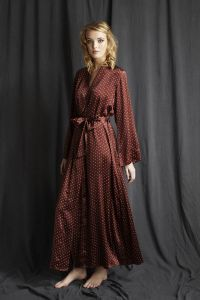 619f4e487 Luxury silk robe