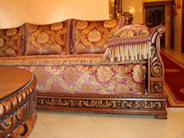 Banquette en bois pour salon marocain en touche traditionnel ...