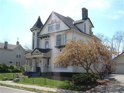 55 South Findlay Street Dayton Oh 45403 Lovely Victorian With Beautiful Woodwork Taxes 1900 Asking 119 900 Queen Anne Dayton Ohio Old House Dreams