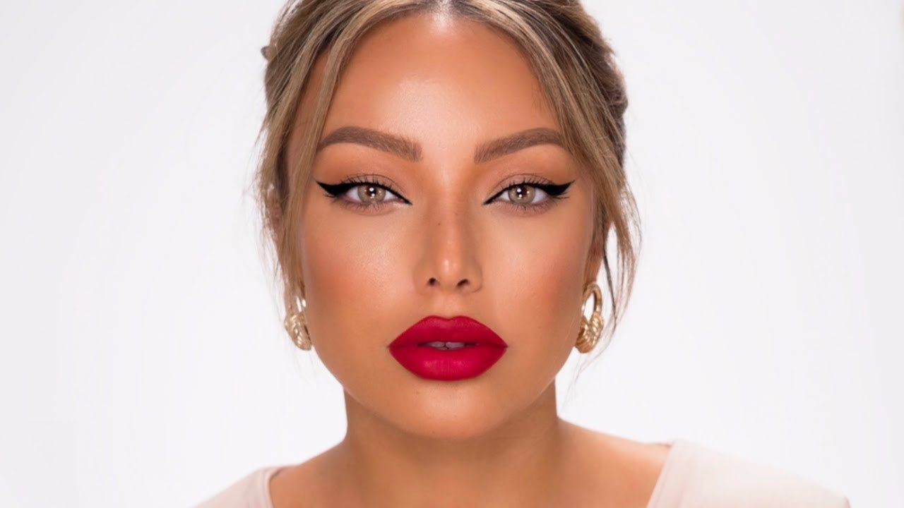 Classic Winged Eyeliner Red Lip Makeup Look Quick Easy Dilan Sabah Youtube Red Lips Makeup Look Red Lip Makeup Winged Eyeliner