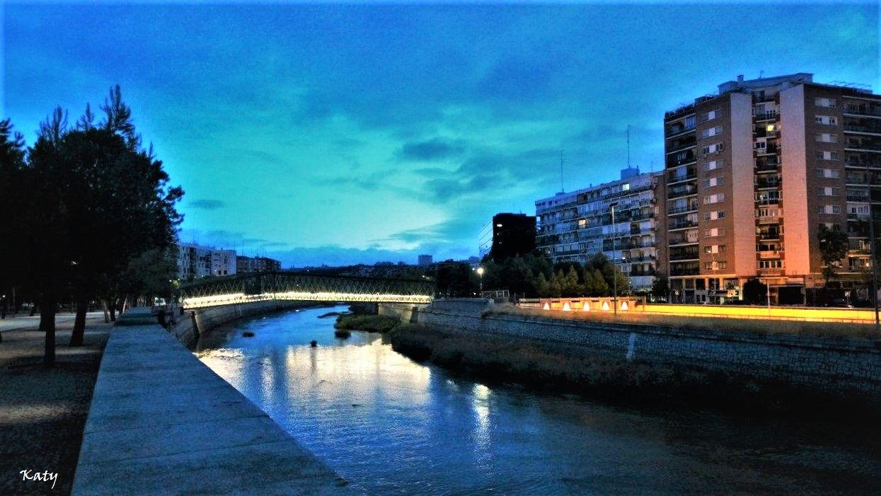 Amanecer en el río Manzanares (Madrid)