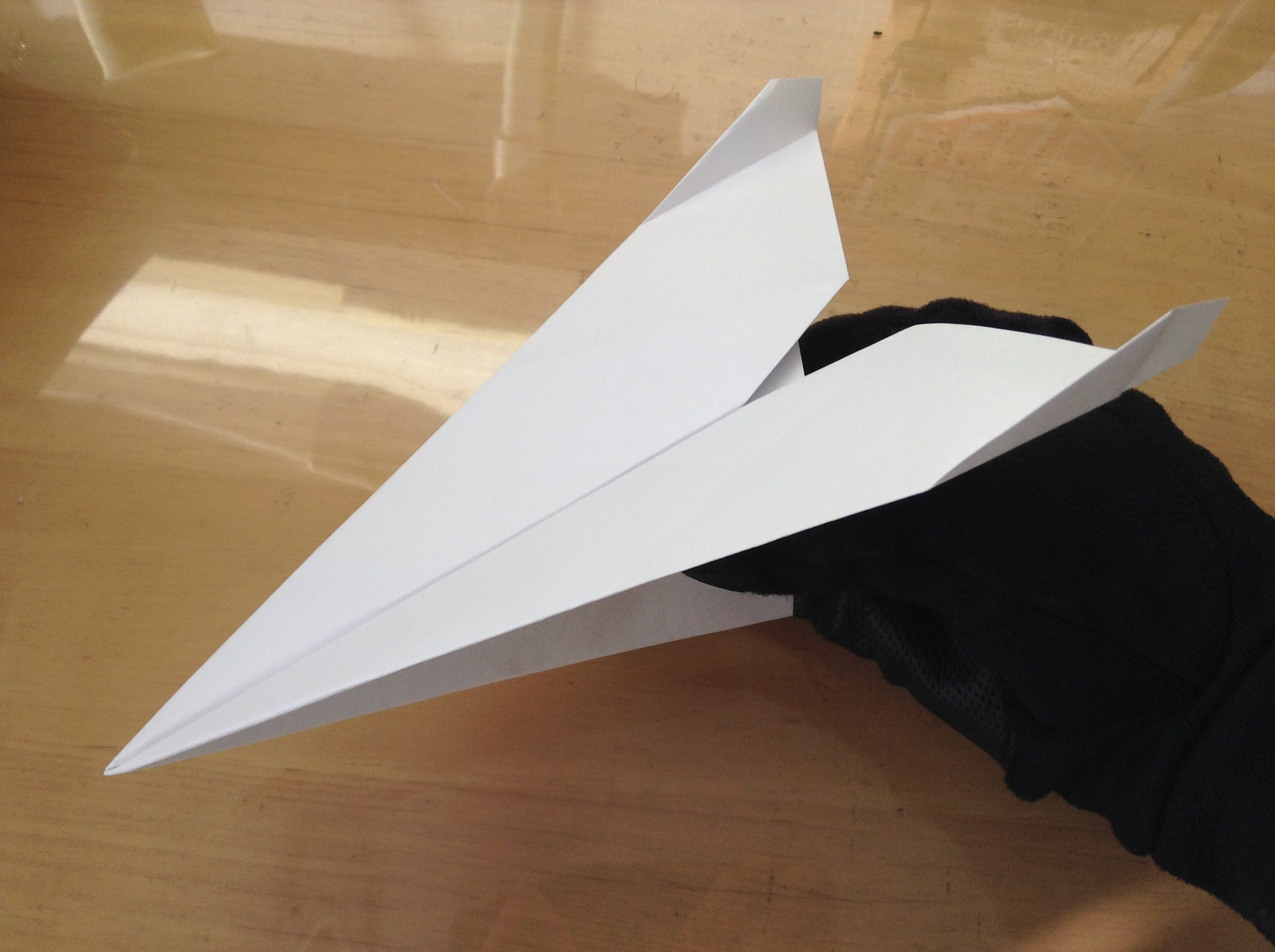 飛ぶ 飛行機 よく の 折り 方 紙
