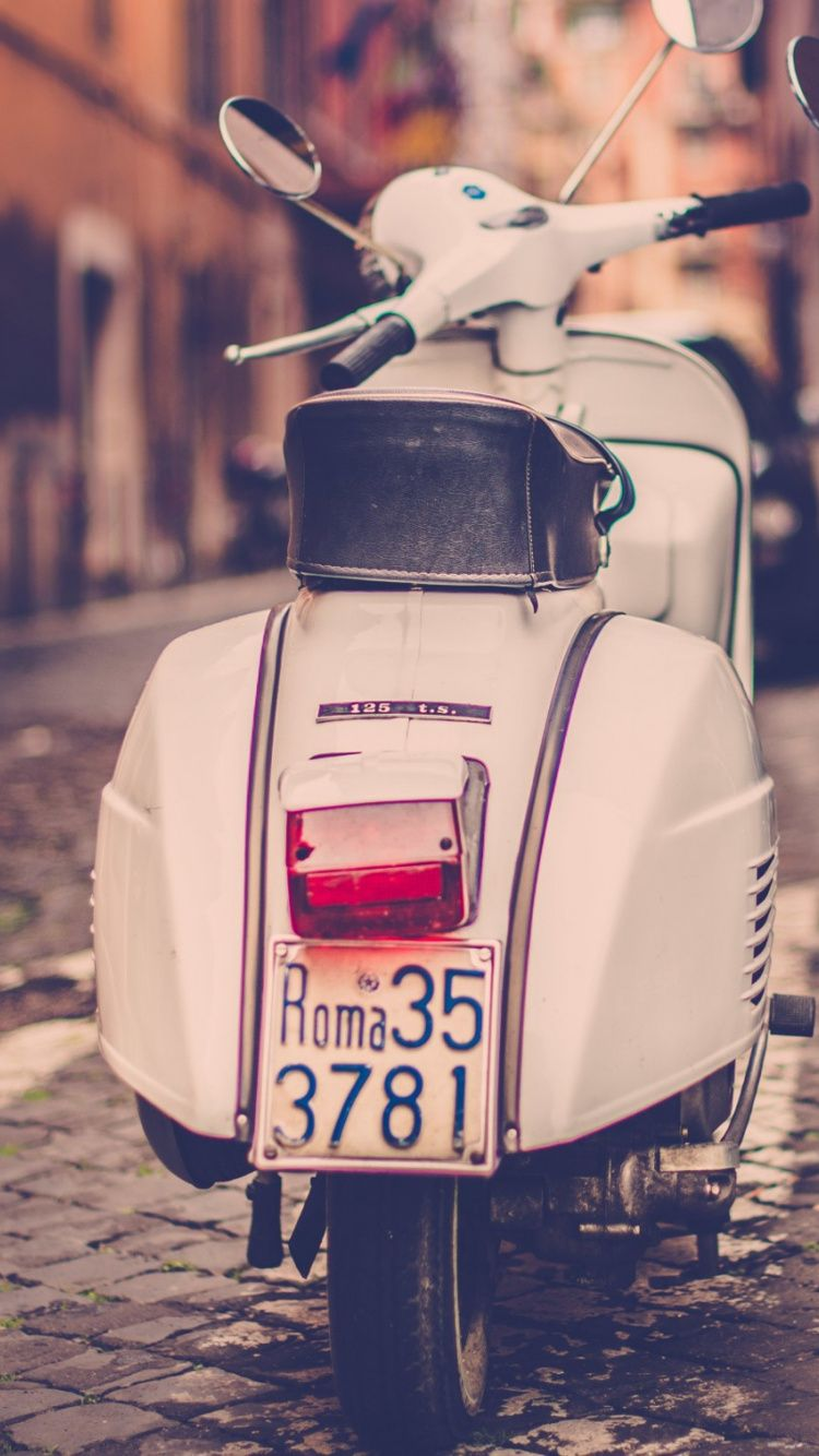 Vespa - Tap to see more impressively fascinating retro & new bikes for  wallpapers! -