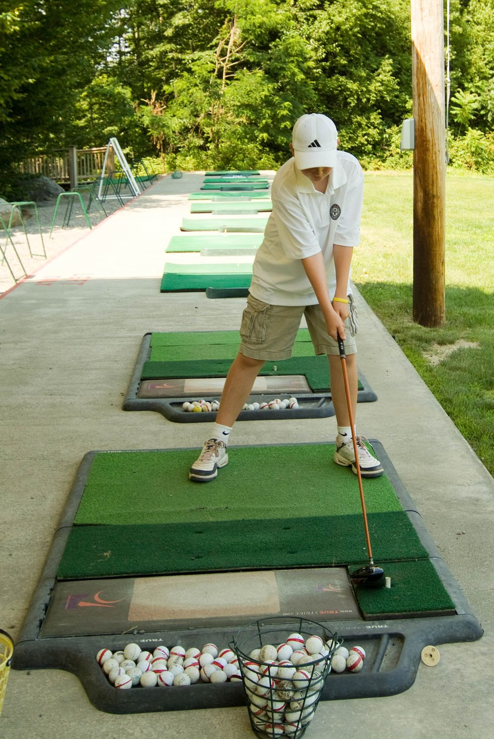 Getting Work Done On The Driving Range Driving Range Golf Tips Driving Golf Driving Range