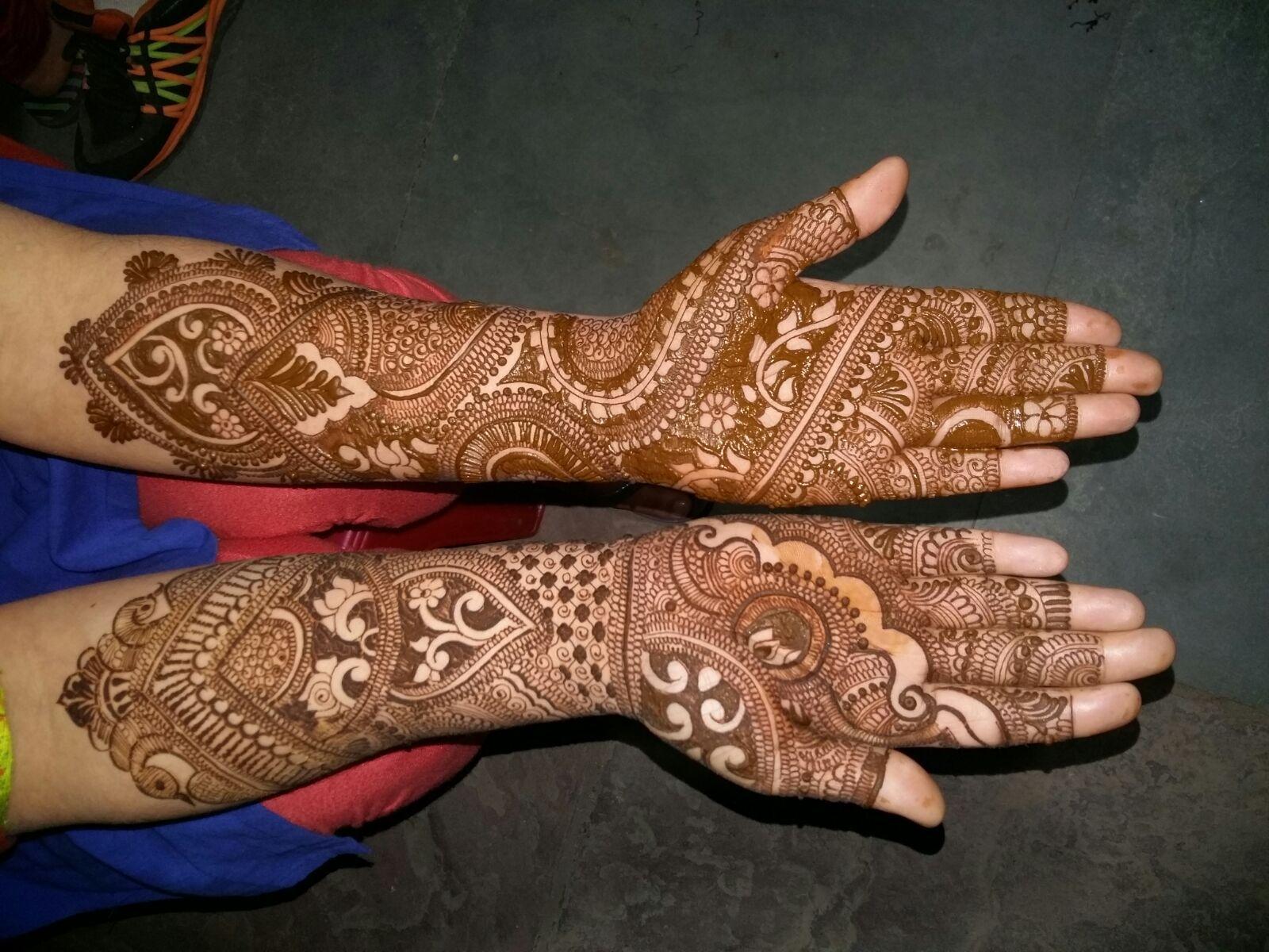 Mehndi Artist : Explore and hire best mehandi arts in delhi ncr near you mehndi