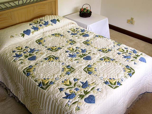 blue & yellow Amish love dove quilt | Amazing Amish | Pinterest : blue and yellow quilt - Adamdwight.com