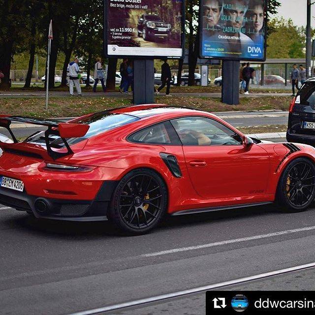 #gt2rs #gaurdsred Wish they had this colour next to the GT Silver 2RS at IAA 😜The new king of the ring. PhotoCredit @nikolam.photo