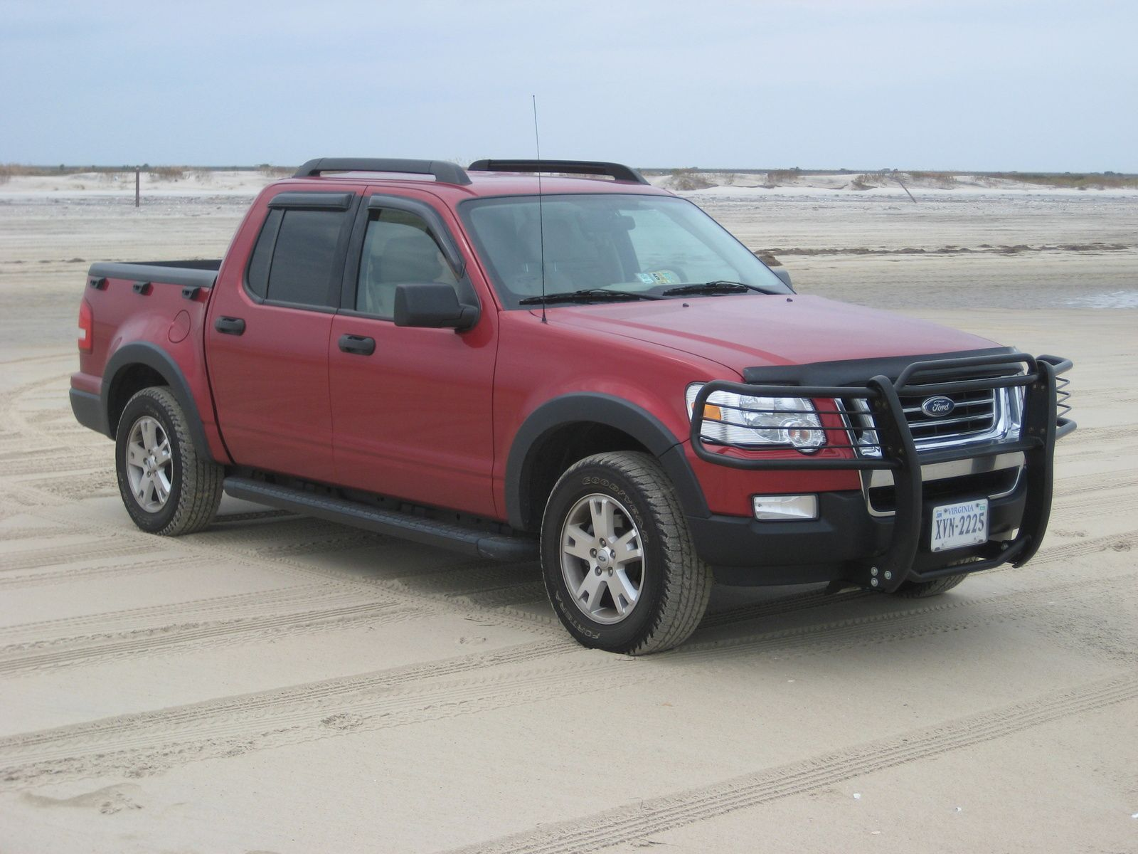 2007 ford explorer sport trac xlt 4wd 4 wheels and a. Black Bedroom Furniture Sets. Home Design Ideas