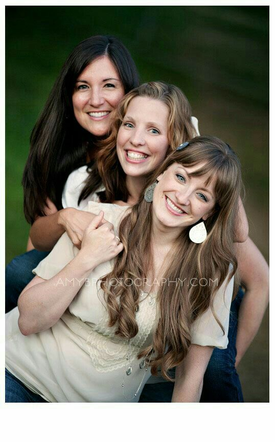 Mother daughter photography pose | Mother daughter