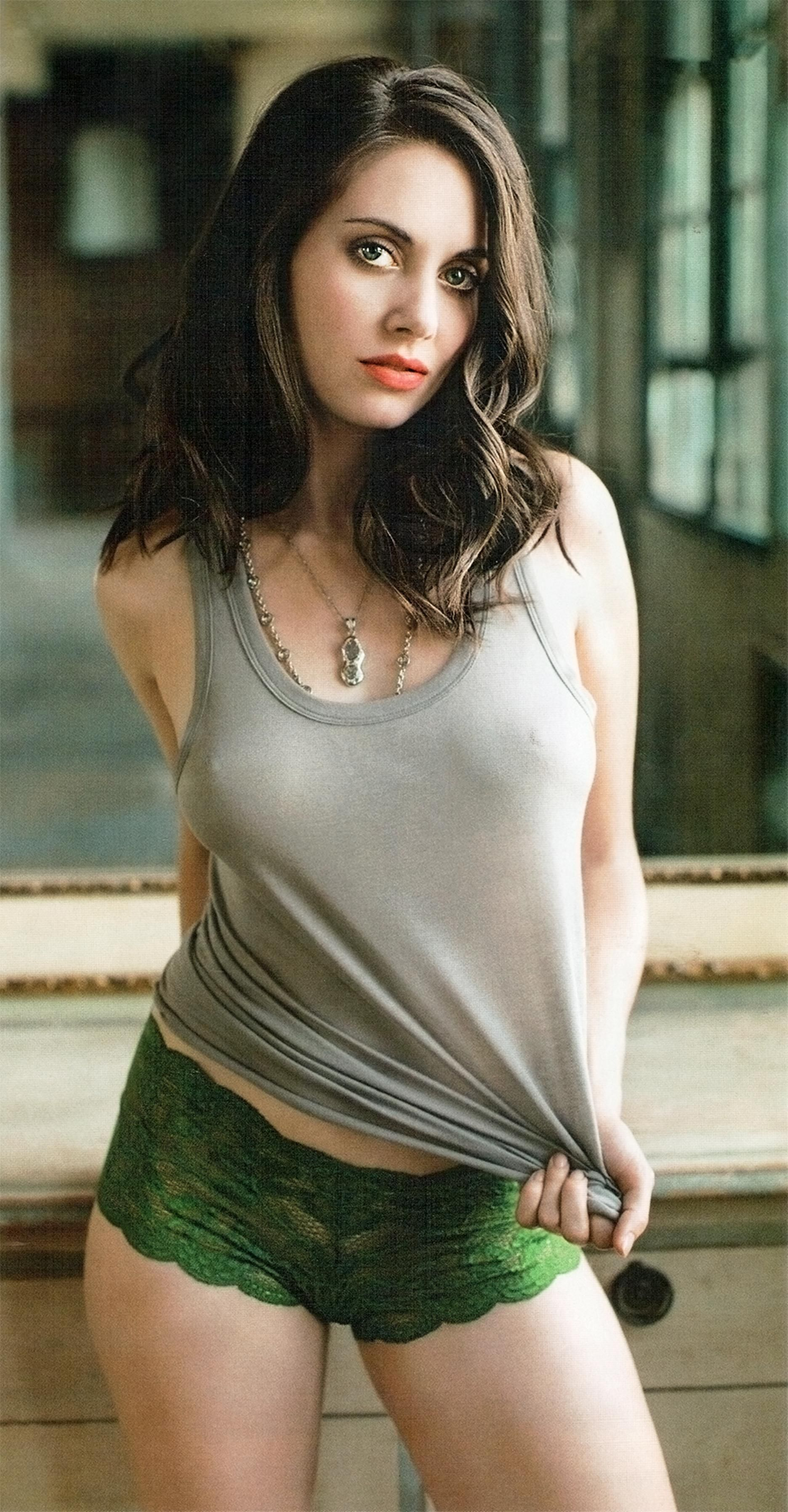Alison brie the blog waggon femagenic pinterest alison brie