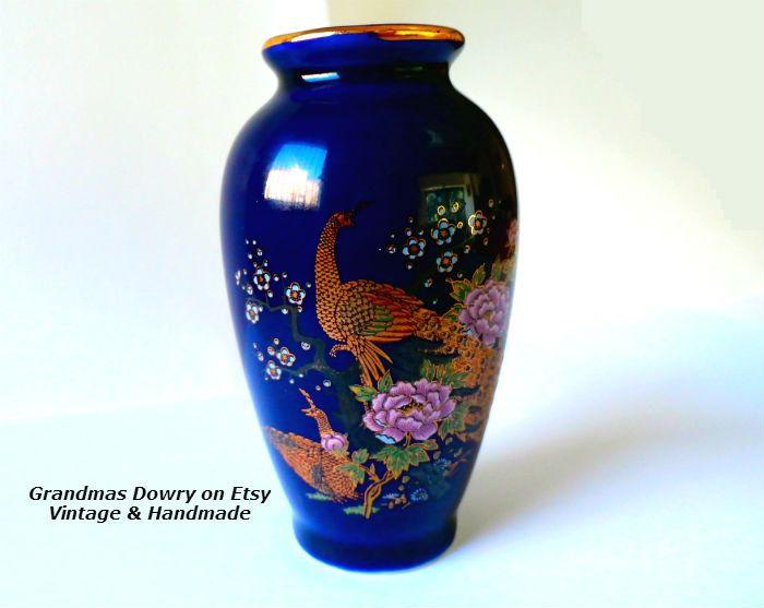 Pin By Jean Cubillo On Ruthie Japanese Vase Vase Vintage Vases