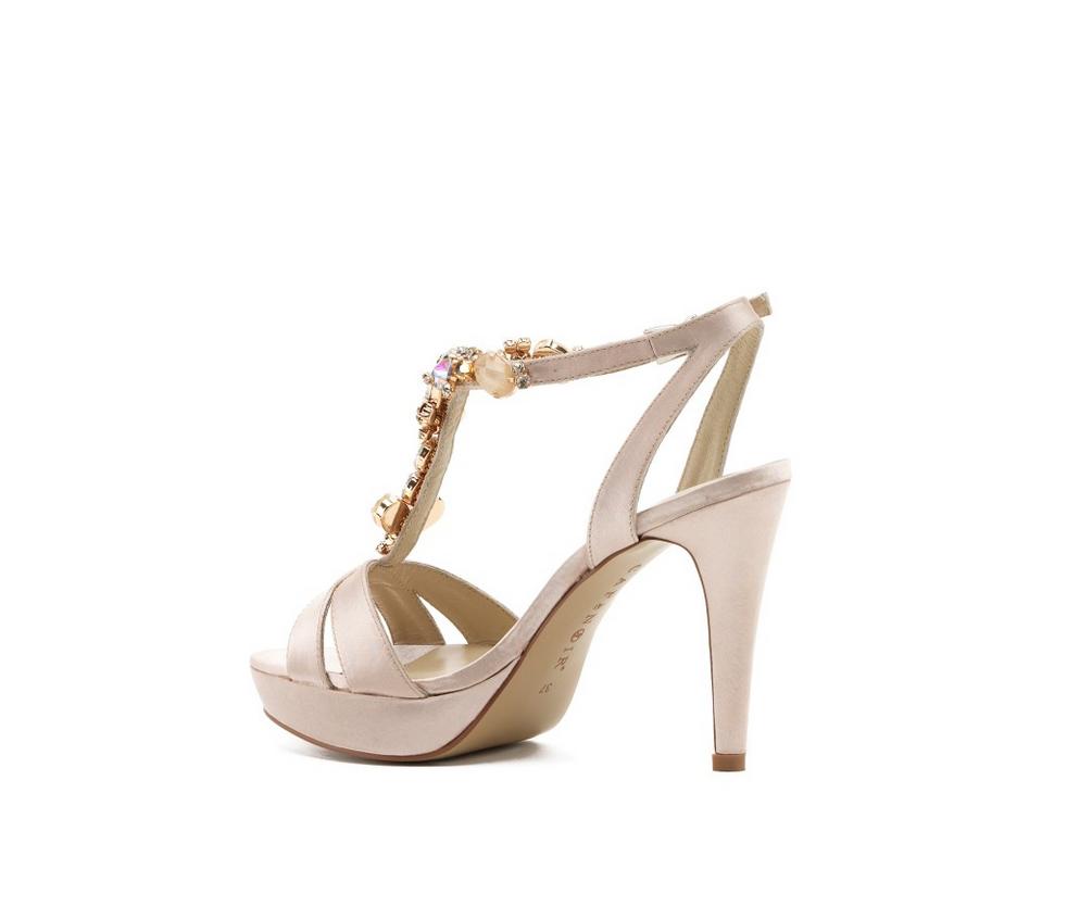 9743bc504cccce Dettaglio tacco - sandalo in satin con strass | Cipria