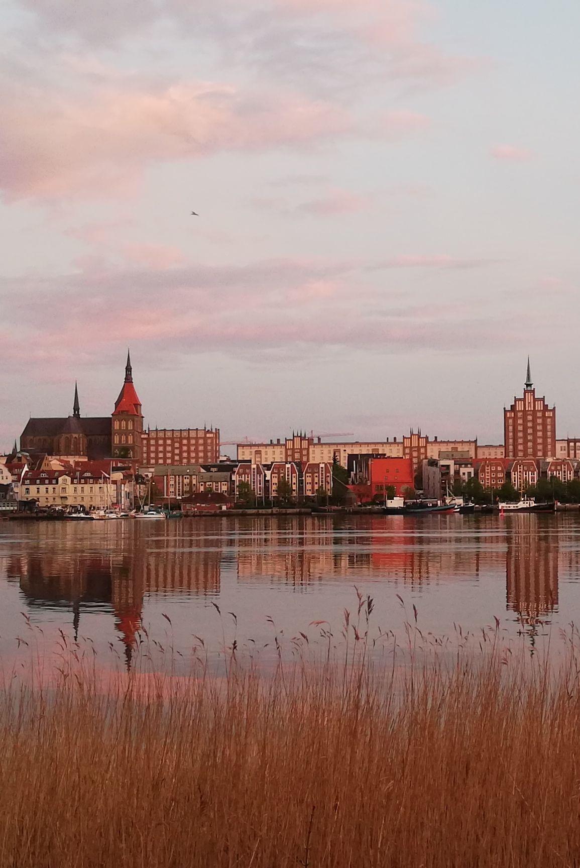 Abendstimmung An Der Warnow In 2020 Stadt Rostock Rostock Warnemunde Hansestadt Rostock