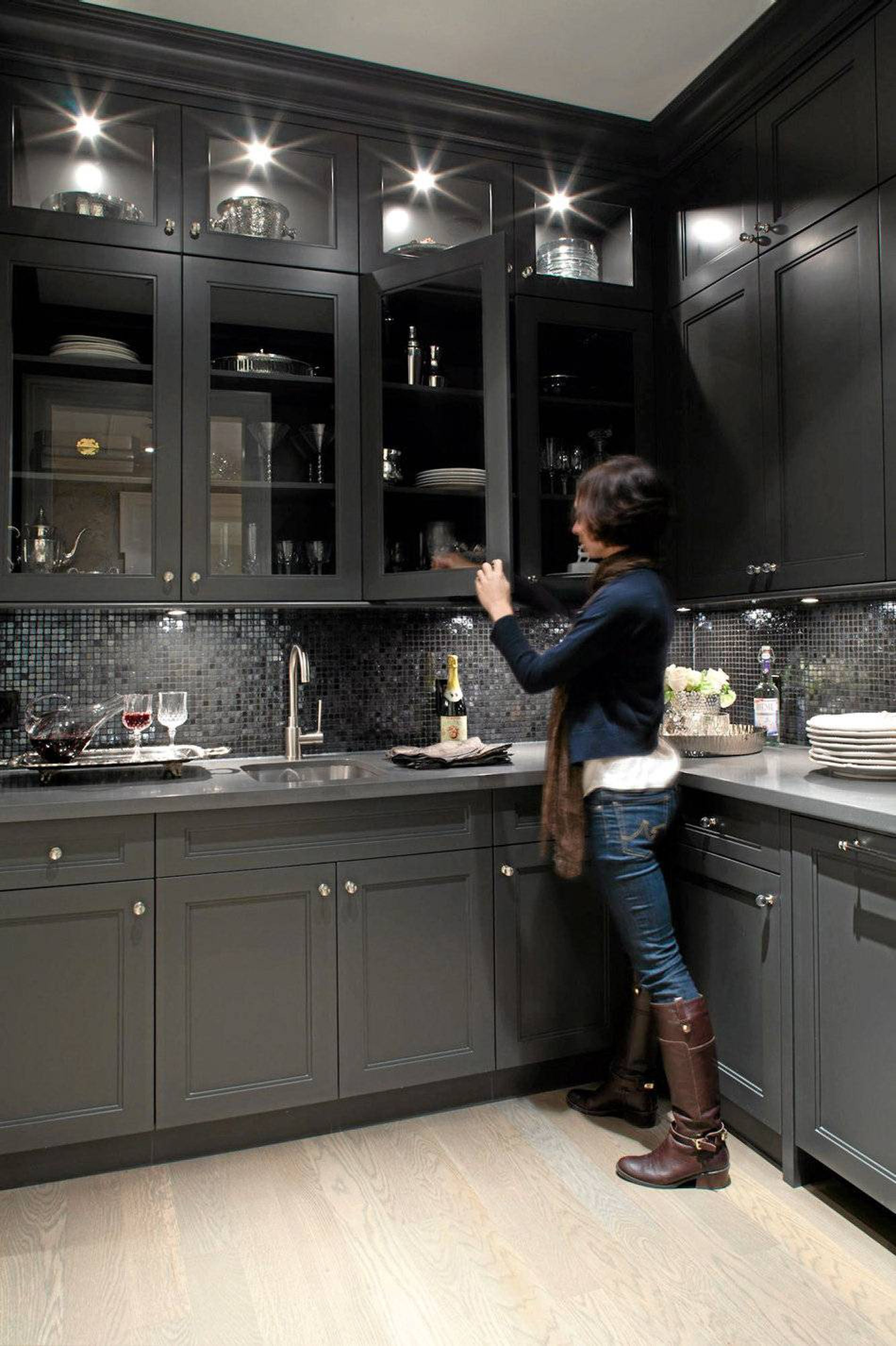 This Slate Grey Wet Bar Is Just Steps From An Elegant And Well Lit Dining Room The Dark Pal