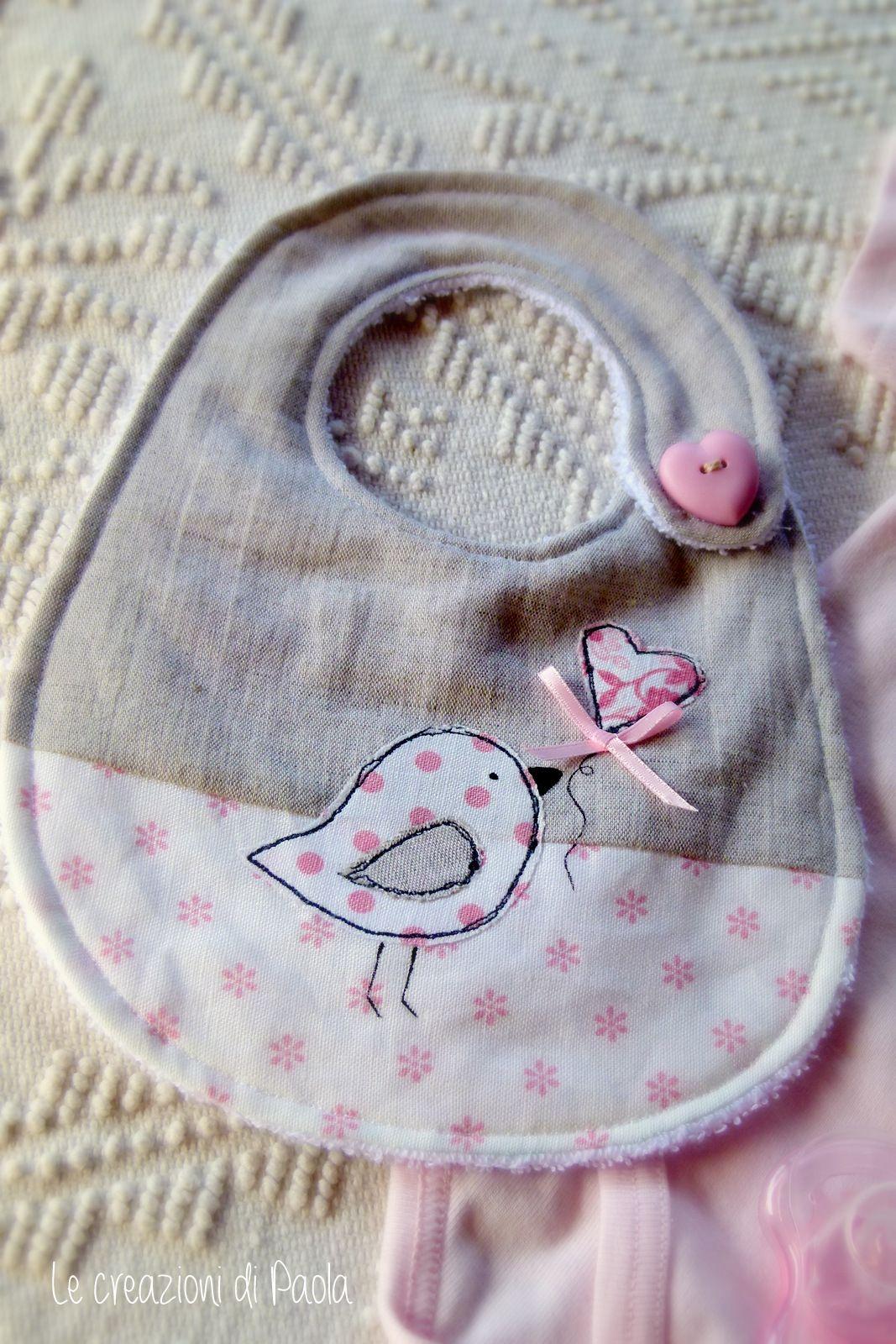 bavaglino con applicazioni baby bibs pinterest bavoir b b bebe et couture pour b b. Black Bedroom Furniture Sets. Home Design Ideas