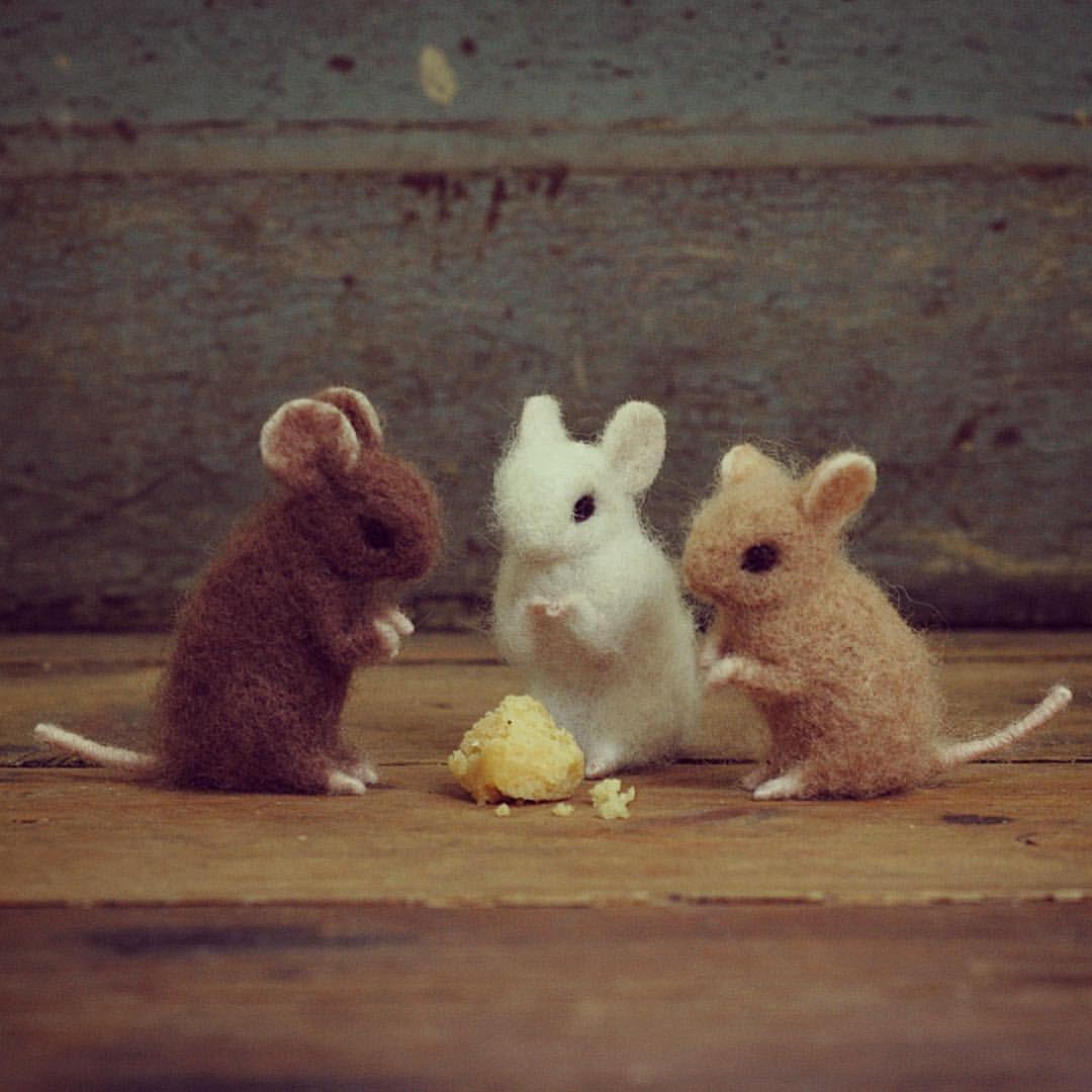 Needle felted mouse... a pocket full of rye #needlefeltingtutorials