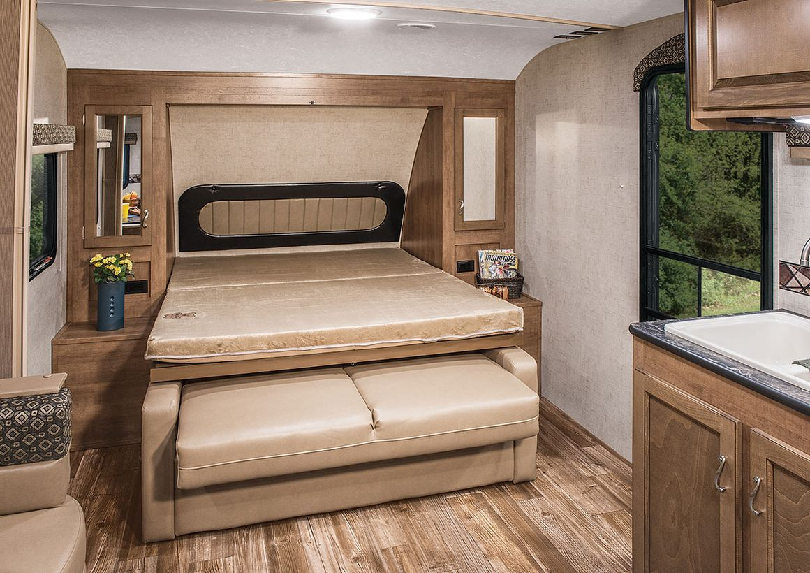 20 Comfortable Yet Affordable RV Design Ideas for Your