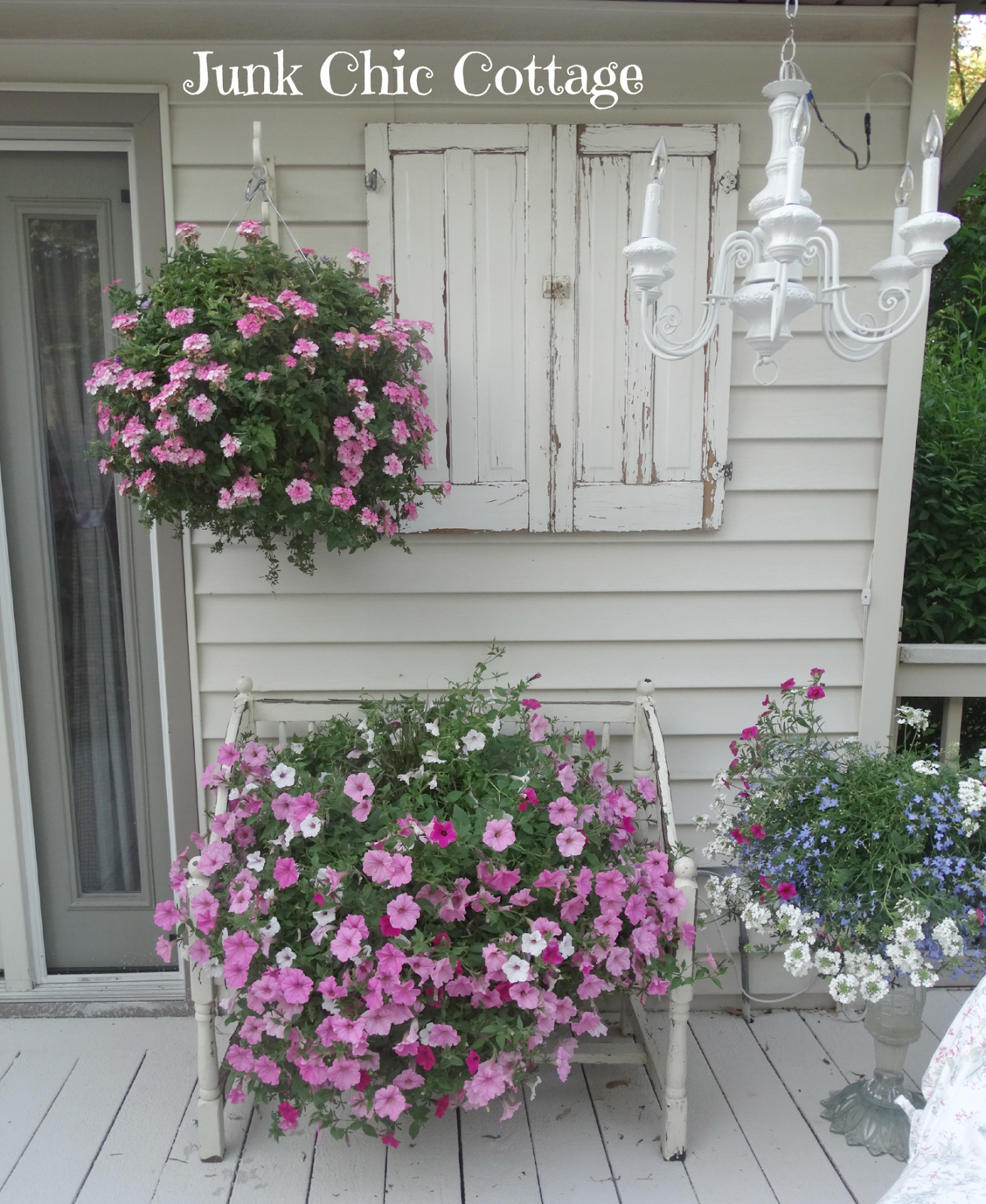 17 Lively Shabby Chic Garden Designs That Will Relax And: Here Are Some Pictures Of My Back Deck. This Is Truly My