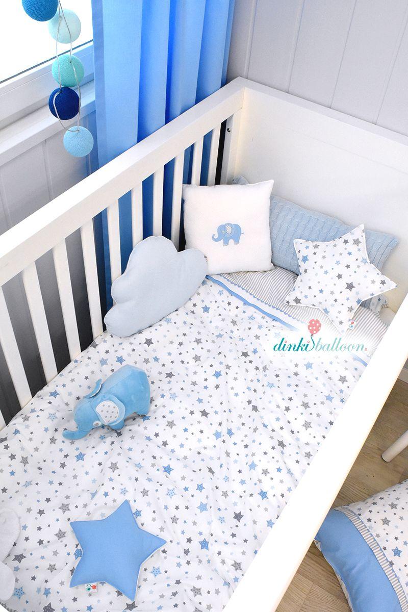 Babyzimmer Wandgestaltung, Lampen Und Textilien Mit Elefanten Und Sternen  In Hellblau/grau