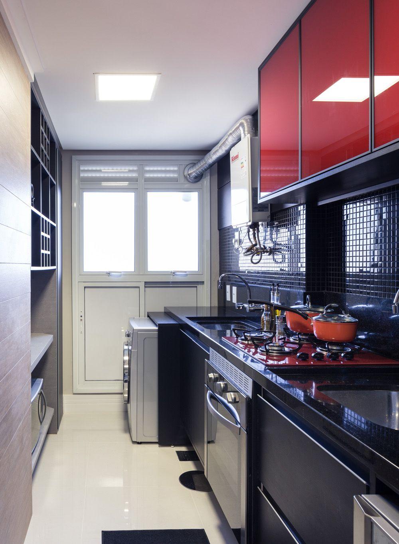Cozinha pequena com destaque para os arm rios com portas - Armarios para casas pequenas ...