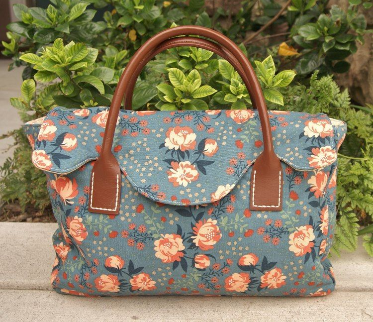 Heidi Staples made the Crafty Satchel for the Just For You Sewalong ...