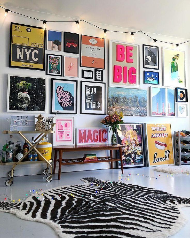 """COLOR PLACE INTERIOR auf Instagram: """"@nest_twenty_eight ・ ・ ・. . . . . #gallerywall #popofcolour #fearlesshome #interiorgoals #gallerywallgoals #walltowallstyle # wallart… """""""