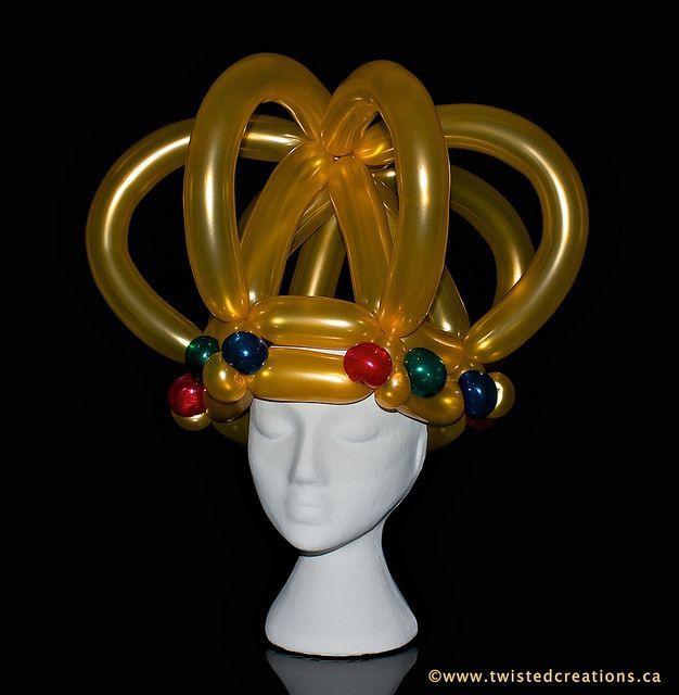Crown by twistedcreations via flickr balloon art