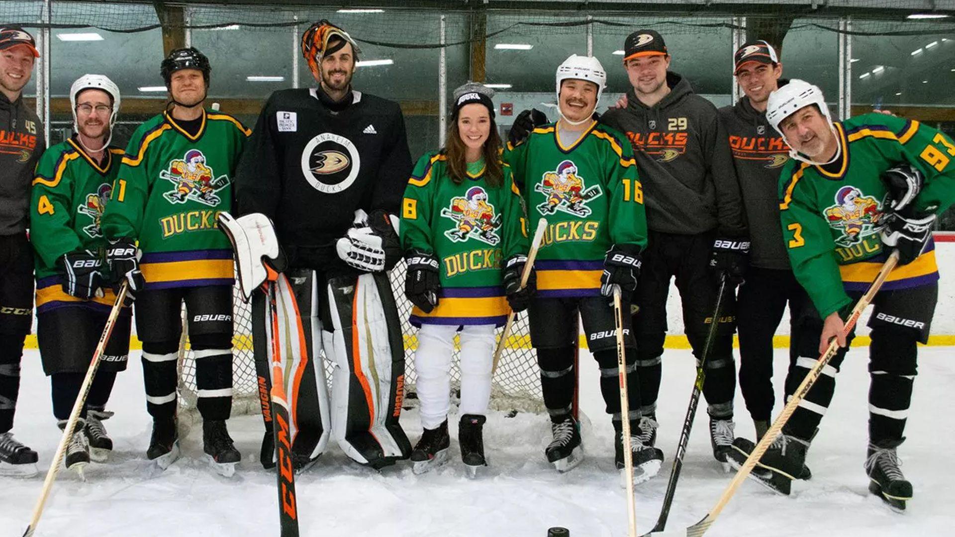 The Mighty Ducks In 2020 Disney Plus New Shows Emilio Estevez