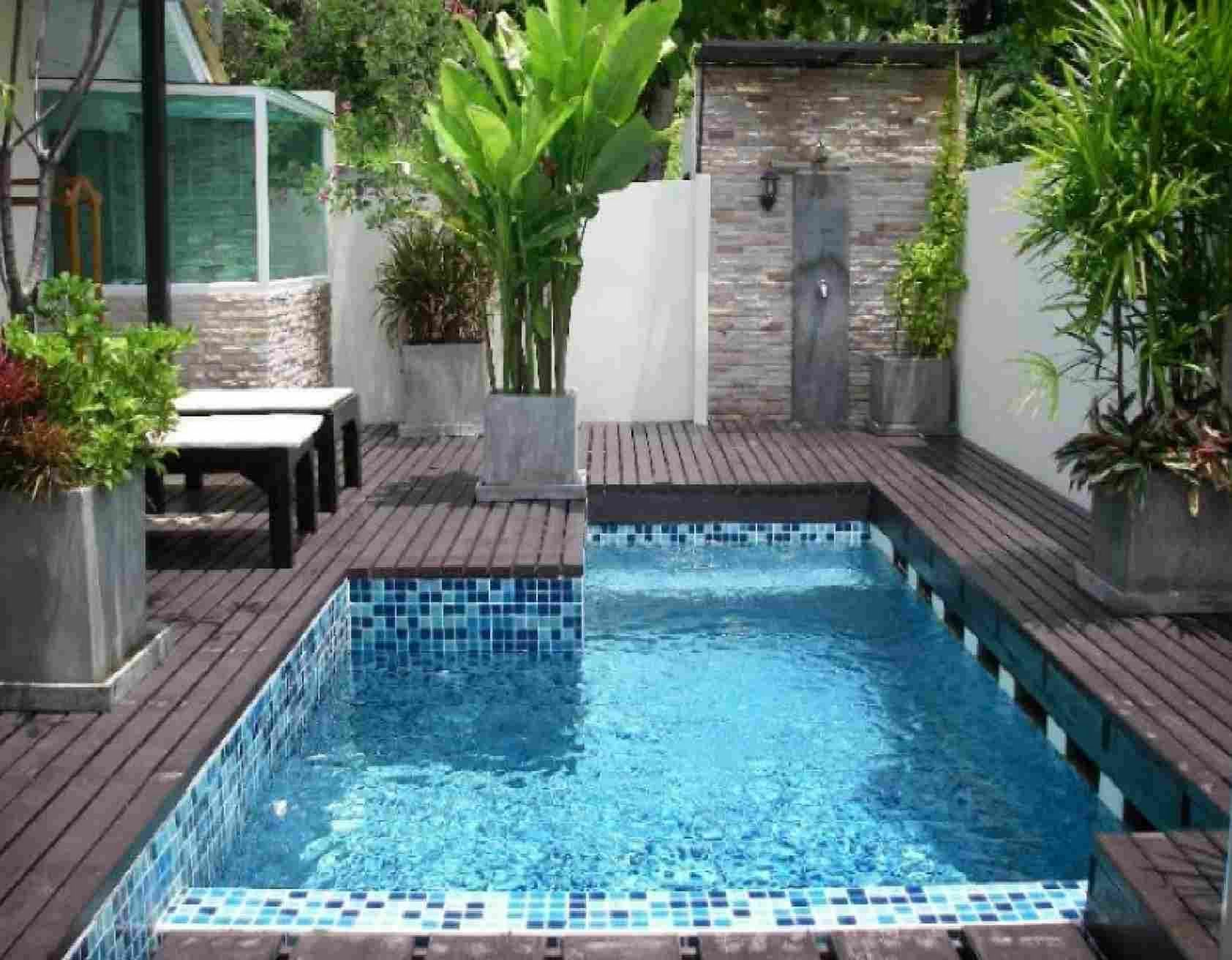 Small Backyard Pools